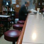 フジランチ - カウンターとテーブル席