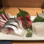 神田屋寿司 - ぶり、シメサバ、中トロ、スミイカ、真鯛