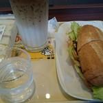 75861913 - ひとくちミックスサンド、北海道産炭火焼きポークサンド、ハニーカフェオレ。
