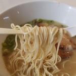 ラーメンなる - 製麺は篠崎さんとこ