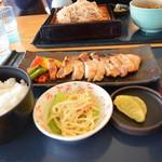レストラン あっぷるひる - 豚の味噌焼き定食