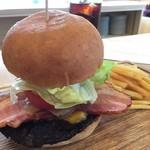 パームスプリングスファミリーレストランアンドゴルフレンジ - ハンバーガー+ベーコン¥200+チーズ¥100