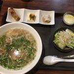 ハノイフォー - 鶏肉フォーのランチセット@750円