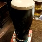COOPERS - GUINNESS 1Pint:880円(HAPPY HOUR)