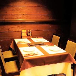 記念日やデートにおすすめのテーブル席♪3Fカップルシートも◎