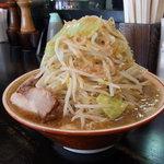 らーめん大  - ラーメン(野菜増し,脂,味濃いめ)