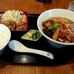 らぁ麺 くろき - 料理写真:鶏煮干らあ麺(750円)をセット(+230円)で☆