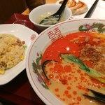 大阪王将 - 担々麺、焼き飯小、餃子