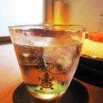 チリン - おにぎり(胡麻ドレサラダとドリンクセット)850円