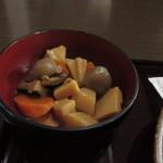 75890213 - 小鉢は筑前煮、ただ徳島では他の呼び方かもですね。