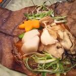 宵月・鮨ダイニング - 広島牡蠣朴葉焼き
