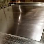 横浜うかい亭 - 大事に使われている鉄板。