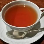 横浜うかい亭 - 食後の紅茶。