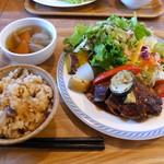 カフェ イチカ - 料理写真:ランチプレート(750円) 野菜がこんなに!