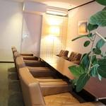 cafe WAKAKUSA - 2階 ソファ席