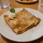 cafe WAKAKUSA - 発酵バターとリンゴのクレープ