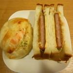 パンブロー - 料理写真:タラモチーズ、ハムカツしそチーズサンド