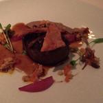 シグネチャー - 国産牛サーロインのミラボー風、茸のバリグール仕立て、ボムスフレ