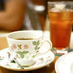 kafeeikokuya - 【アメリカン】カップはWEDGWOODのワイルドストロベリー