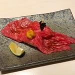 75904771 - 和牛の肉寿司(雲丹・キャビア)