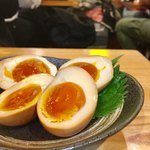 北海道マルハ酒場 - 燻製たまご 280円