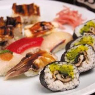 明石の魚はもちろん、全国の旬魚を仕入れています。