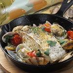 ニジイロ Dining,Cafe&Bar - 白身魚のアクアパッツア