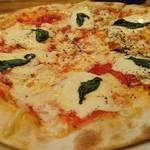 75916454 - マルゲリータピザ