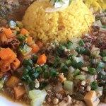 ヤマナカリー別邸 - 魚貝だしベースの牛豚鶏と帆立のスープキーマと彩り野菜のピクルス