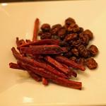 蓮 - 紫芋のケンピ と 揚げ干ブドウ