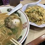 中華そば 花京 - ラーメン+半チャン(1050円)