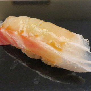 鮨おばな - 料理写真:鯛