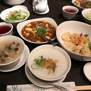 広東料理 民生 ヒルトンプラザウエスト店