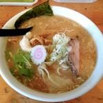 亀我楽 - 料理写真:豚骨魚介らぁ麺