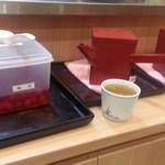 信州屋 - 蕎麦湯はレジ近くに有りました