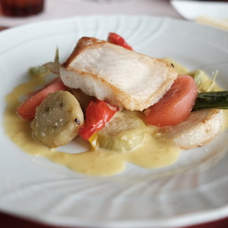 レストラン タケウチ - 料理写真:平目のポワレ、ブールブランソース