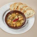 ダブリナーズ カフェ&パブ - エビとマッシュルームのガーリックオイル煮
