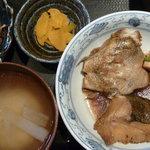 芳志 - 煮魚定食(銀ムツかま)税込800円