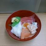 丼丸北海道 - 海鮮丼 シャリ大盛645円