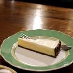 樹の花 - コーヒーとチーズケーキは鉄板ですね〜〜