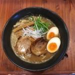 らーめん一丁亭 - 料理写真:豚骨魚介らーめん 味玉入〜(*^▽^*)❤️