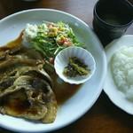 福や - 料理写真:ポークジンジャー1,250円(税込)ご飯・スープ・ジュース付き。ご飯はお替り自由