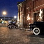 AKARENGA STEAK HOUSE - クラッシックカーと煉瓦造の建物のコラボが格好いい!