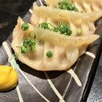 落日酒楽 - 落日酒楽(ひはおちて さけたのし)(東京都武蔵野市境南町) 自家製肉汁ギョーザ