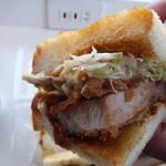 とんかつ マンジェ - 「ロ-スカツサンド」アップ。初めて頂きましたが納得の美味さです。