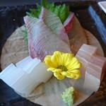 和食茶房 風の彩 - お刺身三点盛りは新鮮!