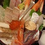 軍ちゃん - 海鮮丼<上>(税抜き1500円)
