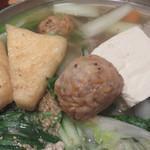 とも喜 - 手作りのつくねや豆腐、揚げも入っています。