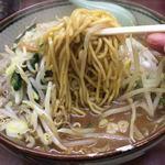 75987858 - 味噌ラーメン 麺リフト