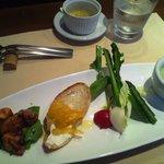 クッチーナ・ベジターレ・オット - 前菜の盛り合わせ